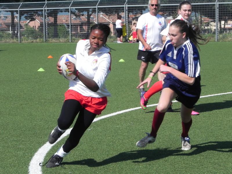 Una fase della partita femminile di rugby