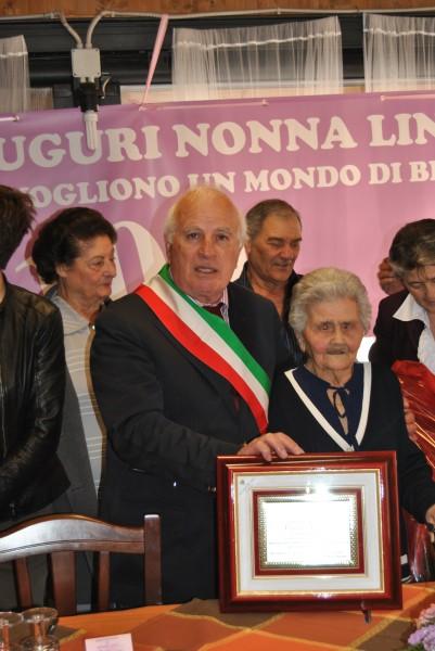 """Il Sindaco Pietro Panzironi con """"Nonna Lina"""""""