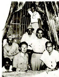 foto 2 il gruppo di archeologi capitanati fa Fernandez