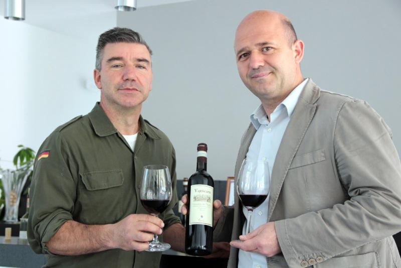 Vajoscuro di Giovanni Terenzi con Armando Terenzi e sindaco Nucheli