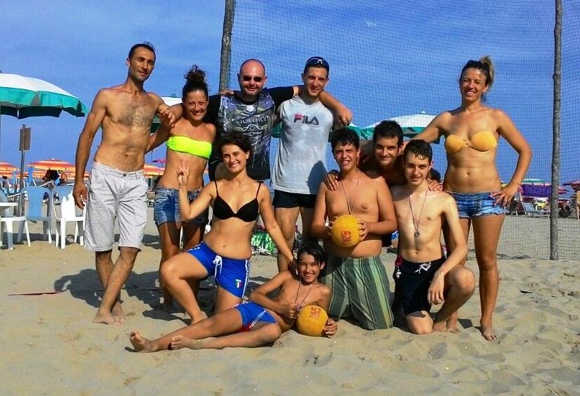 le 2 squadre del beach dodgeball