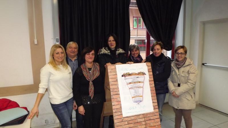 lariano celebra dante iniziativa foto insegnanti e assessore mattacchioni e consigliere gabr_