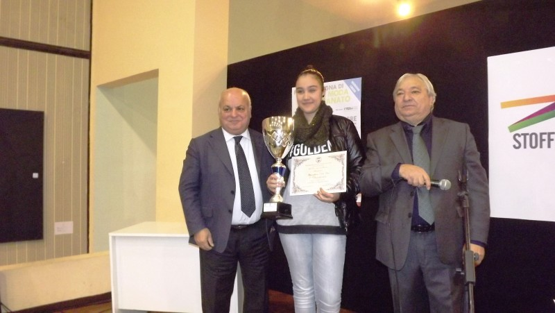 nella foto il sindaco Maurizio Caliciotti e l'assessore Maurizio Mattacchioni durante una premiazione