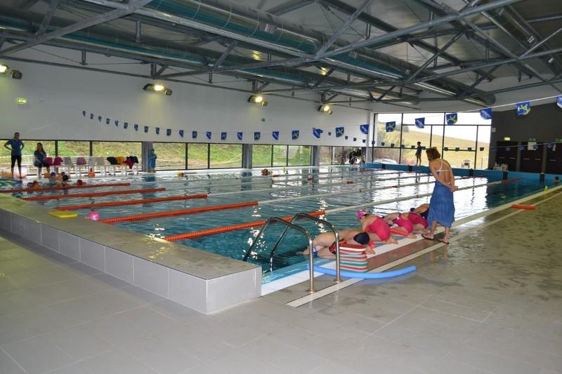 A rocca priora firmata la convenzione con la piscina - Piscina comunale livorno corsi acquagym ...