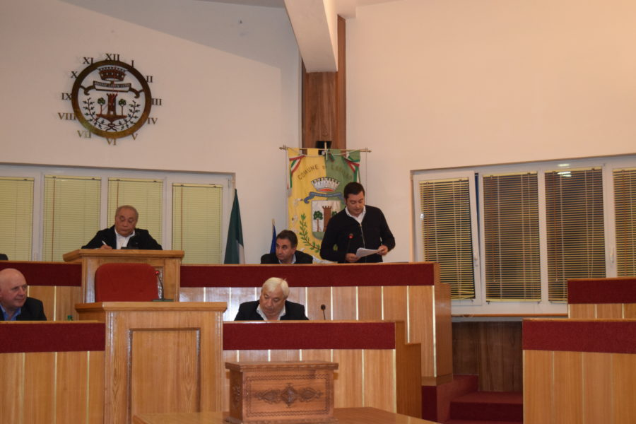 consiglio-comunale-lariano-lintervento-dellassessore-gianni-santilli-capogruppo-della-maggioranza-prima-lariano