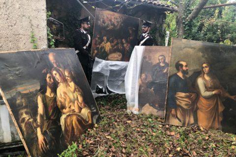 ZAGAROLO: IRRUZIONE IN UN CASOLARE DI CAMPAGNA, I CARABINIERI RITROVANO DIPINTI RUBATI DEL XVII SECOLO