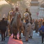 A Cori (LT) i Re Magi arrivano a dorso di veri cammelli